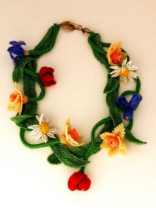Beautiful floral beaded jewelry by Huib Petersen | Beads Magic