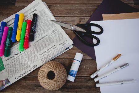 N'importe quoi ! Le petit cahier noir d'Élise Gravel + DIY http://lesptitsmotsdits.com/nimporte-quoi-petit-cahier-noir-diy/