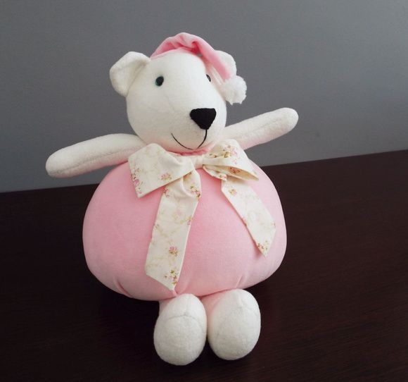 Ursinha Fofa decorativa Urso  by Atelier La Mar    Urso decorativo, todo confeccionado em tecido antialérgico.  Ideal para decorar o quartinho, chá de bebê, chá de fralda, chá revelação e festinhas com o tema urso.