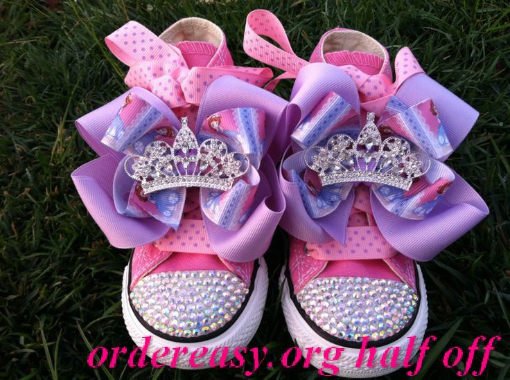 Strawberry Pink Converse - yum!     Fashion pink #converses #sneakers summer 2014