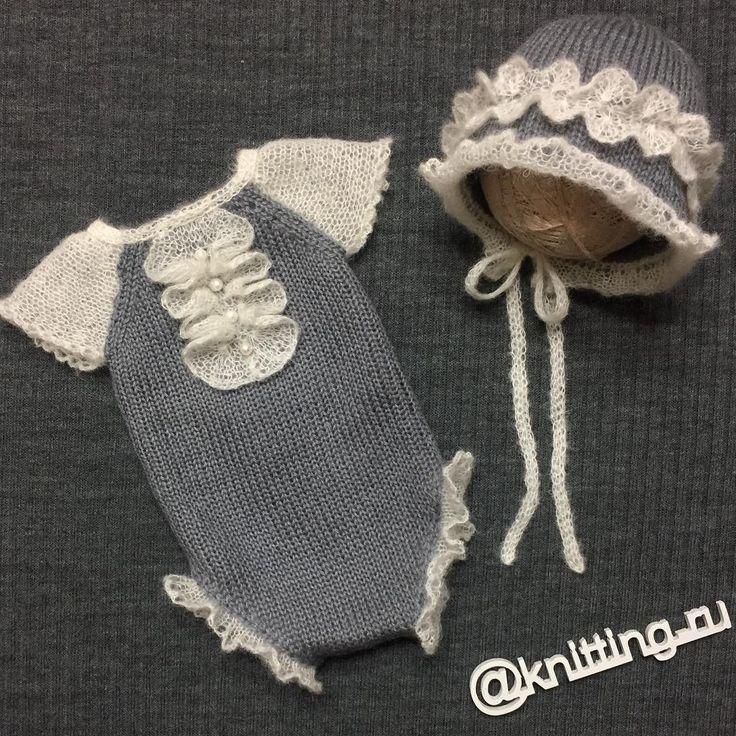 """Gefällt 87 Mal, 12 Kommentare - Реквизит для новорожденных (@knitting.ru) auf Instagram: """"Продан!  Двухсторонний комплект на девочку! Бодик и чепчик с ручным кружевом и натуральным жемчугом…"""""""