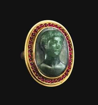 A ROMAN CHROMIUM CHALCEDONY CAMEO     CIRCA LATE 1ST CENTURY B.C.-EARLY 1ST CENTURY A.D.