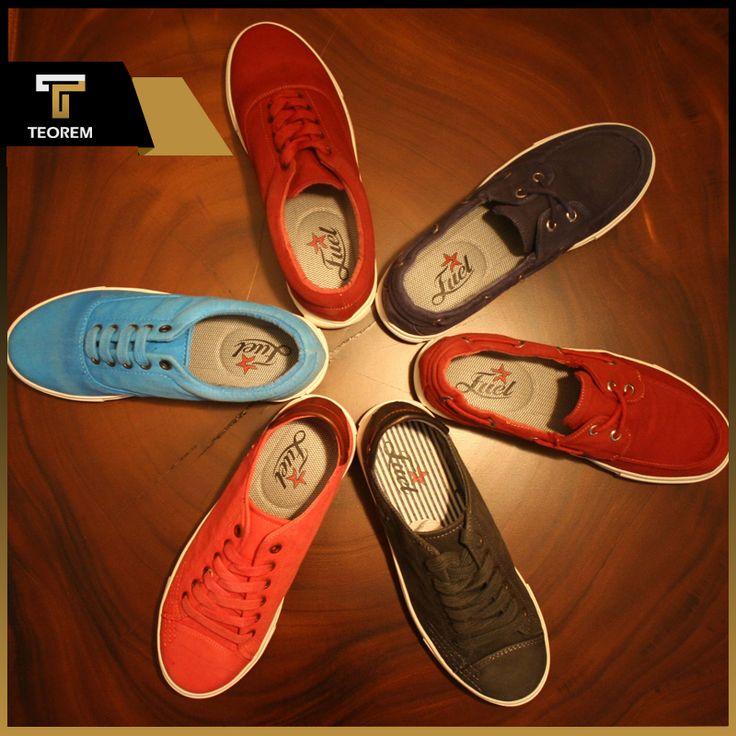 Teorem Ayakkabı'nın spor ayakkabı koleksiyonundaki başarısını takip eden yeni keten ayakkabı koleksiyonu bu yaz ve bahar mevsimlerinin en çok kullanılan modeli olarak yer aldı.