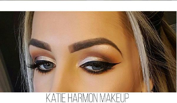Makeup by Stila Consultant Kate Harmon in our Fairgreen Store in Carlow. #stilaglitter