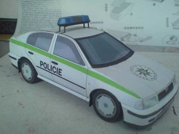 Octavia Police Škoda Paper Car Free Vehicle Paper Model Download - http://www.papercraftsquare.com/octavia-police-skoda-paper-car-free-vehicle-paper-model-download.html#124, #Car, #PaperCar, #Skoda, #VehiclePaperModel