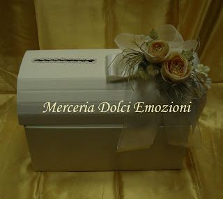 Elegante e raffinato #bauletto #portabuste... by Merceria Dolci Emozioni #weddingday #weddinginspiration