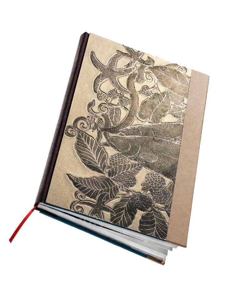 Sans arête :Un carnet élégant avec sa nature morte pour y apposer des mots précieux et des pensées à la volée… Pour les amoureux des lettres, toujours en quête du bon mot et de la bonne formule !