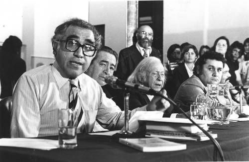 En el centenario de mi padre, todavía falta mucho por conocer de él, dice su hija Raquel Descubren seis poemas inéditos de Efraín Huerta; serán publicados en breve.