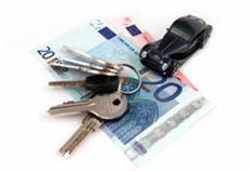 Le compagnie di assicurazione devono proporre più di un preventivo a chi richiede l'rc auto. Lo stabilisce l'articolo 34 del Decreto Liberalizzazioni, per favorire realmente la concorrenza. ma è davvero così? I risultati del nostro test in agenzia sono sconfortanti.