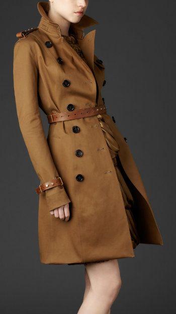 Combine your trench with leather belt, it's awesome! fashflick fashion style