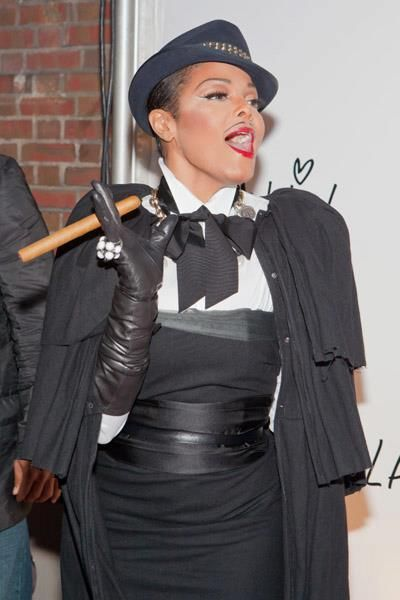 Cigar Diva of the Week - Janet JacksonSexy Sac Cigars http://ht.ly/hmxej