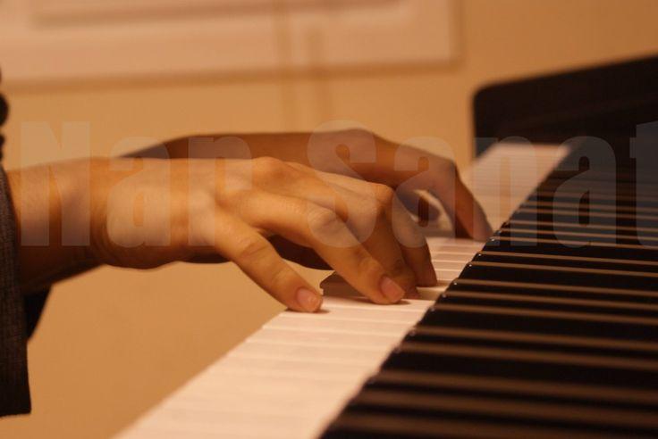 Nasıl bir piyano eğitimi ve nasıl bir piyano?