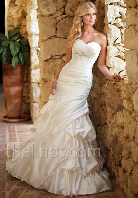 Check out this #weddingdress: 5655 by Ella Bridals via iPhone #TheKnotLB from #TheKnot