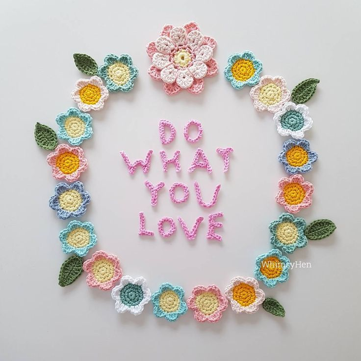 💗 DO WHAT YOU LOVE 💗  It's Sunday! I hope you can make some time just for yourself. Take some deep breaths, go for a walk, create something, cuddle with your loved ones or maybe have a relaxing bath. Self care is important, love yourself and try to make time for it.