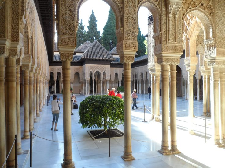 Alhambra Palace, Andalucia, Spain. IMPROVE YOUR SPANISH FLUENCY IN 1-4 WEEKS !! Eurolingua One-to-One Language Holiday Homestay programme. A great great success for over 20 years!! http://www.eurolingua.com/programmes-mainmenu-100/language-programmes/language-homestays-worldwide-mainmenu-472