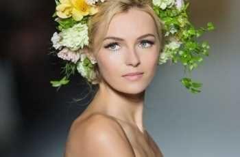 Idee per la cura del viso ed il trucco per la sposa. Non perdete i preziosi consigli della make up artist Simona Di Mauro tutti i Venerdì su Sposarreda.it