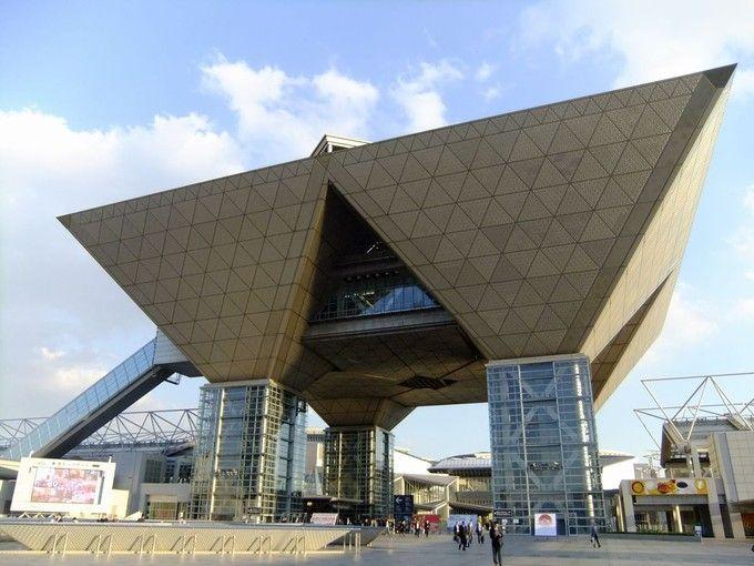 大規模イベントが行われる建物。東京ビッグサイトの美しい建築