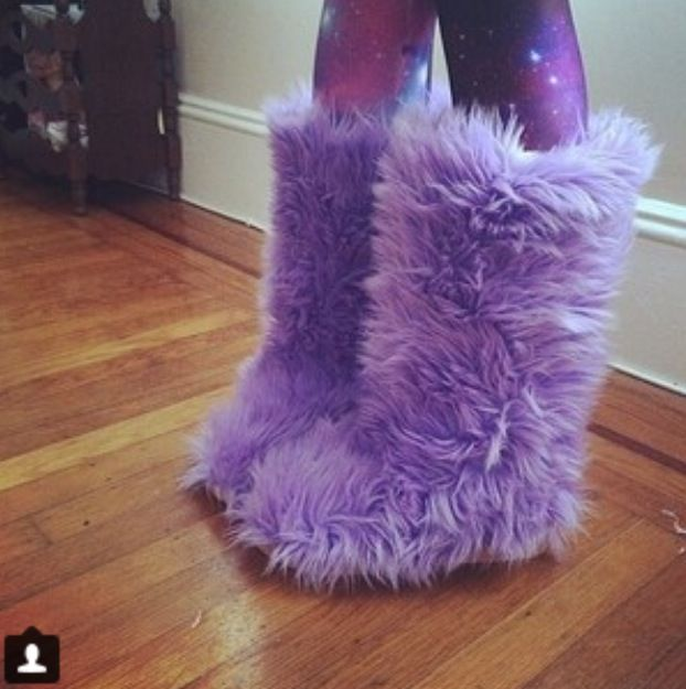 8c56d9159 Pin by Jessica De Jager on The closet I will one day own in 2019 | Fuzzy  boots, Furry boots, Fur boots