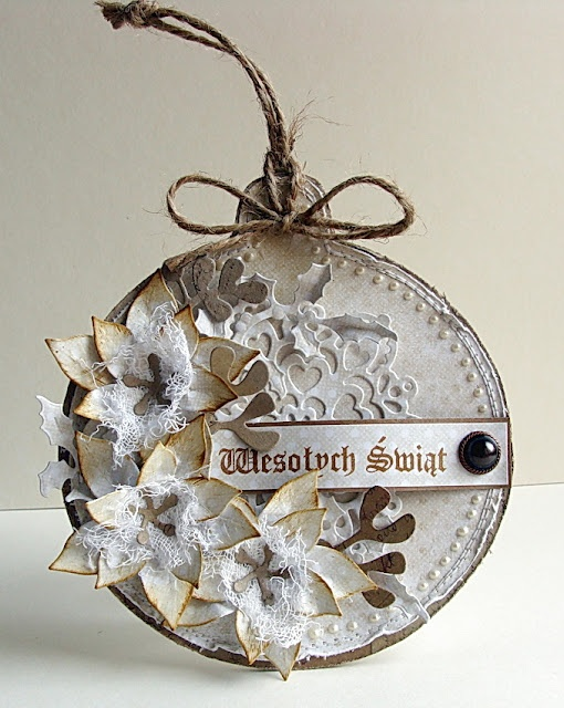 Shabby Round Ornament Card/Tag...with distressed fabric flowers...Dorota_mk.