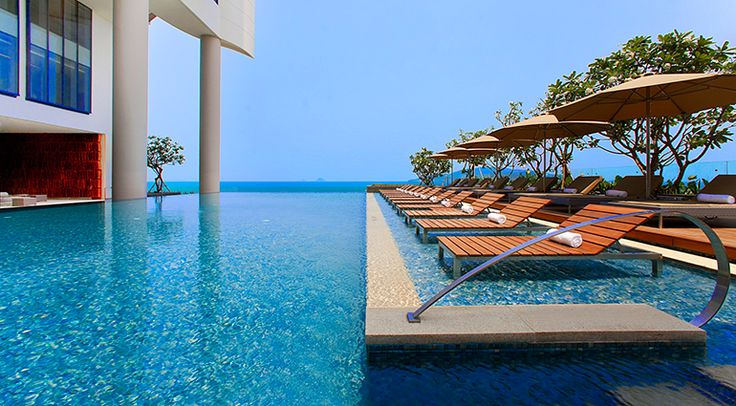 Infinity pool overlooking nha trang bay in vietnam - Hotels in dundalk with swimming pool ...