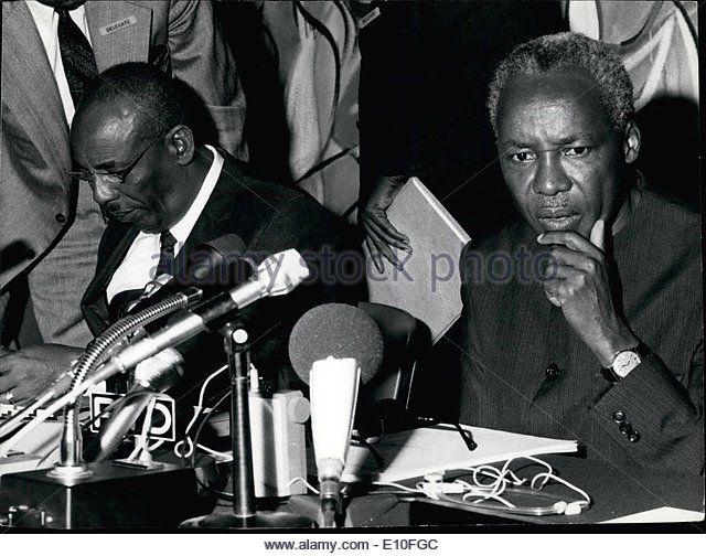 09, 1972 - President Nyerere R & Chairman President Mohamed Siad Barre.