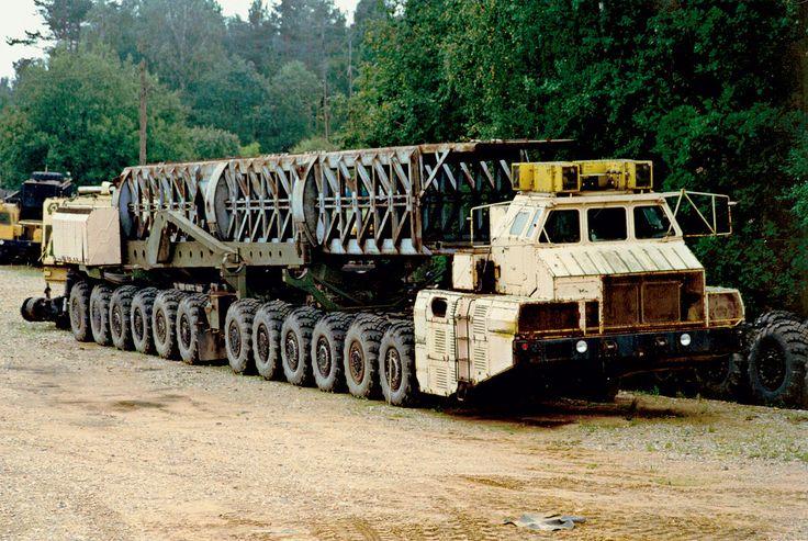 Белорусские богатыри: армейские тяжеловозы МАЗ   5koleso.ru Рекорд самого многоосного в мире шасси МАЗ-7907 до сих пор никем не повторен
