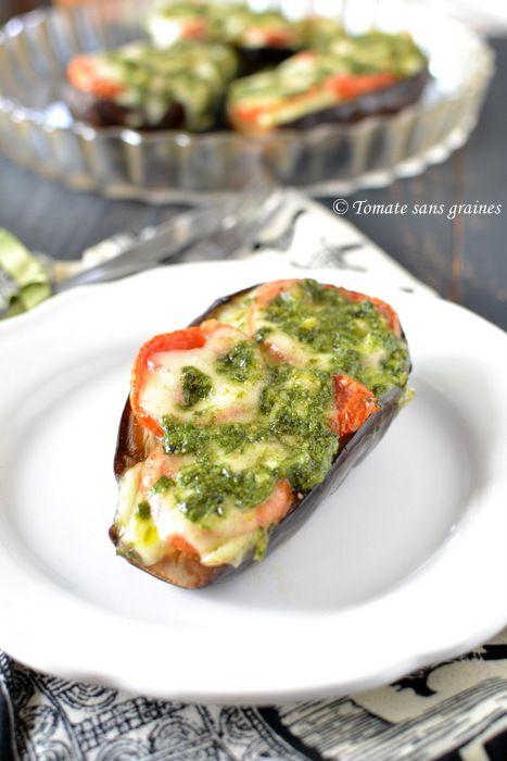 Aubergines rôties à la mozzarella et au pistou : http://tomatesansgraines.blogspot.fr/2016/09/aubergines-roties-la-mozzarella-et-au.html