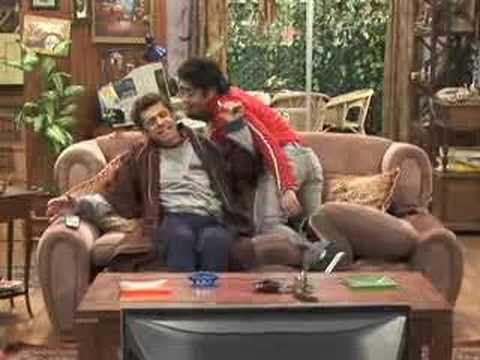 Funniest clip, even if you dont understand it. miss this show. Casado con Hijos- Papá, quiero plata!