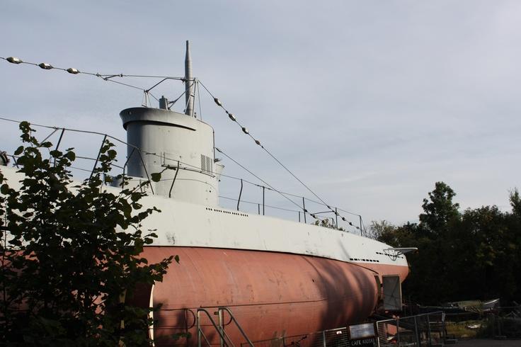 city submarine.Ln.