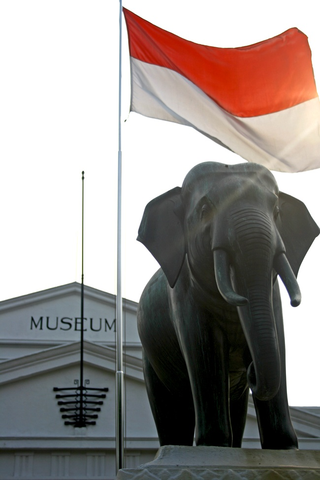 Museum Gajah. Given by 17-year-old King Chulalangkorn of Siam in 1871, the elephant statue was intended as a symbol of improving diplomatic relations between Siam and the Colonial Dutch who ruled Nusantara.
