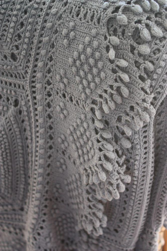 image of superbe grand plaid ancien au crochet pinterest crochet blanket and afghans. Black Bedroom Furniture Sets. Home Design Ideas