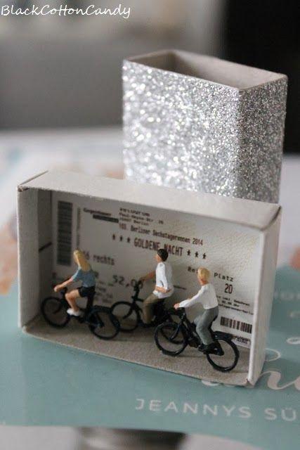 Gutscheine oder Tickets müssen nicht im Briefumschlag verschenkt werden - viel schöner ist eine Miniaturbox, die passend zum Anlass gestaltet wurde!