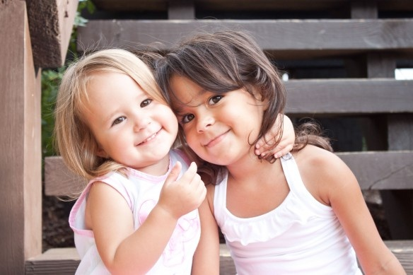 sistersFree Hug, Lynch Photography, Sisters Forever, Kids Pictures, Families Photography, Dear Friends, Yeap, Adorable Kids, Absolute Adorable