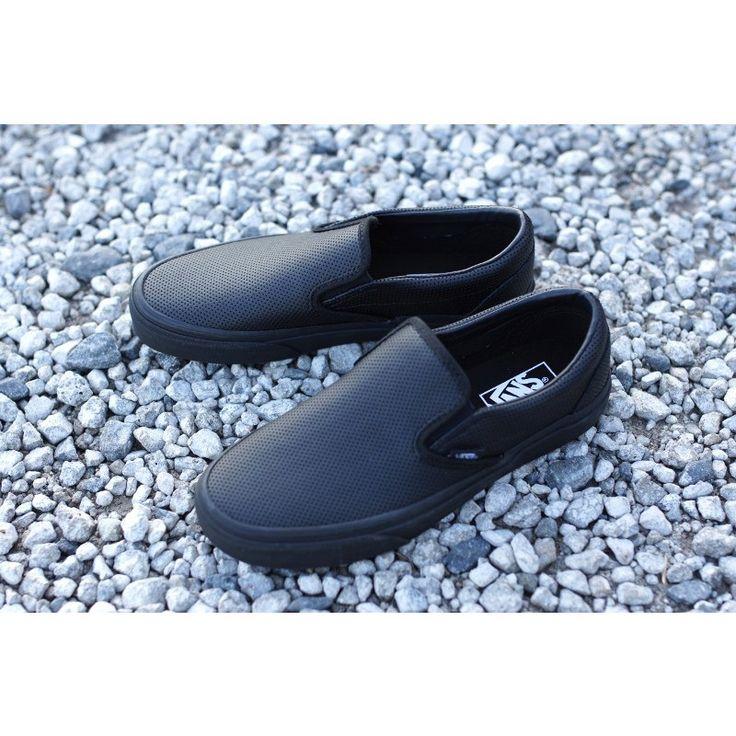 【新入荷】VANS ヴァンズ バンズCLASSIC SLIP ON クラシックスリッポン(PERF LEATHER)BLACK/BLACK(パーフレザー ブラック/ブラック)レディース 靴 スニーカー :vans-slipon-perfltr-blkblk:THE-MATERIAL-WORLD - 通販 - Yahoo!ショッピング