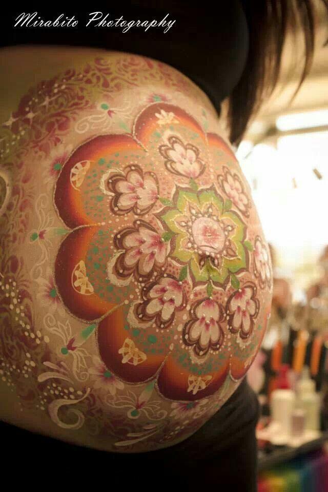 Beautiful belly painting #mandala #bellypaint