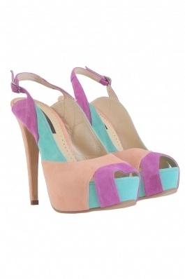 Sandale peeptoe in 3 culori din piele intoarsa lilac deschis,verde cald aqua si nude bej .Model intercalat, cu toc inalt de 13 cm si platforma imbracata de 3 cm.Foarte comode datorita platformei inalte.