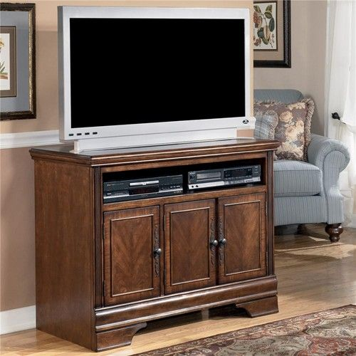 Signature Design By Ashley Hamlyn 42 Inch TV Stand   Furniture Mart Colorado    TV Or Computer Unit Denver, Northern Colorado, Fort Morgan, Sterling, CO