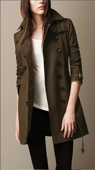 for those rainy afternoons : burberry trench