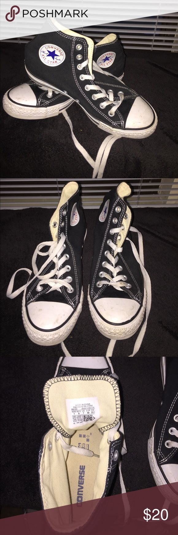 Chuck Taylor allstars Classic black and white chuck taylors. Men's size 7 women's size 9. Very minimally worn Converse Shoes