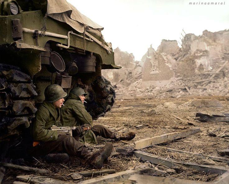 1944년 C중대소속 두 명의 미군