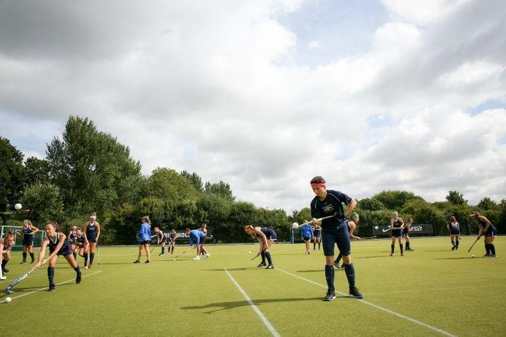 Tabara de hochei si engleza cu Nike la Brighton 2017. Tabara de sport din Anglia ofera antrenamente intensive de hochei pentru fete si baieti, precum si cursuri de engleza. Pentru detalii: 0736 913 866 office@mara-study.ro www.mara-study.ro