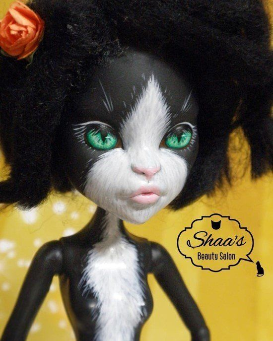 Catty Noir / Monster High OOAK Doll /sold out #monsterhighrepaint #monsterhighdoll #repaintingdoll #costume #OOAK