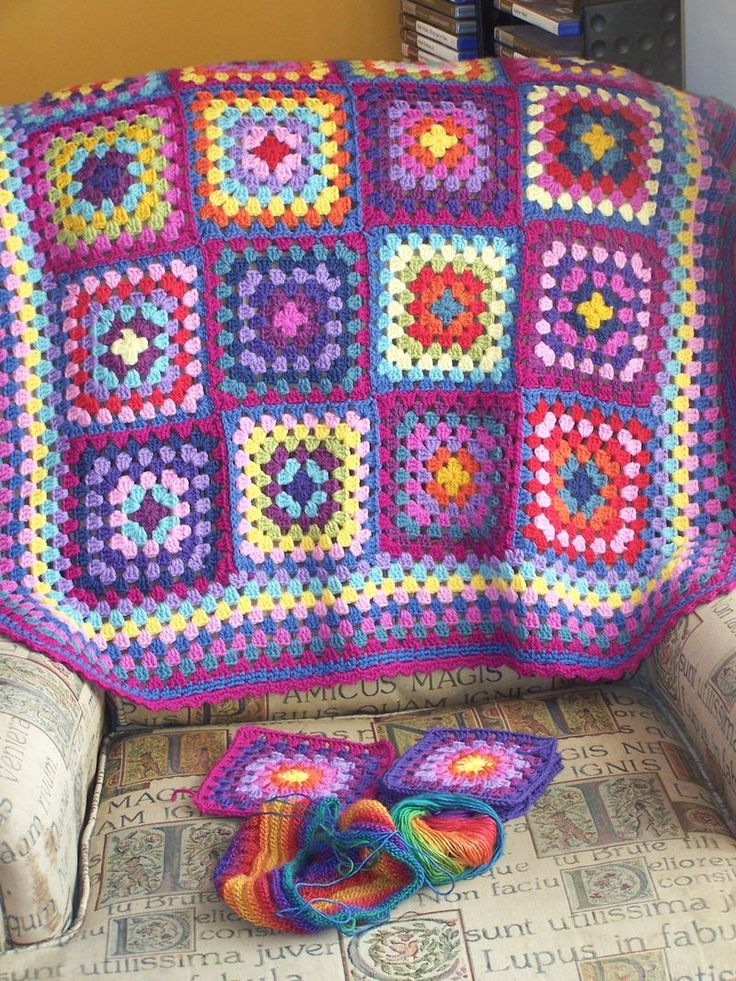 I hate sewing granny squares together, but with this color scheme it would be worth it.