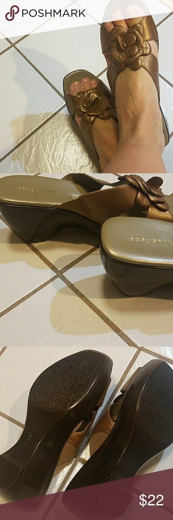Easy spirit sandals Cute comfortable gold sandals. Brand new Easy Spirit Shoes Sandals