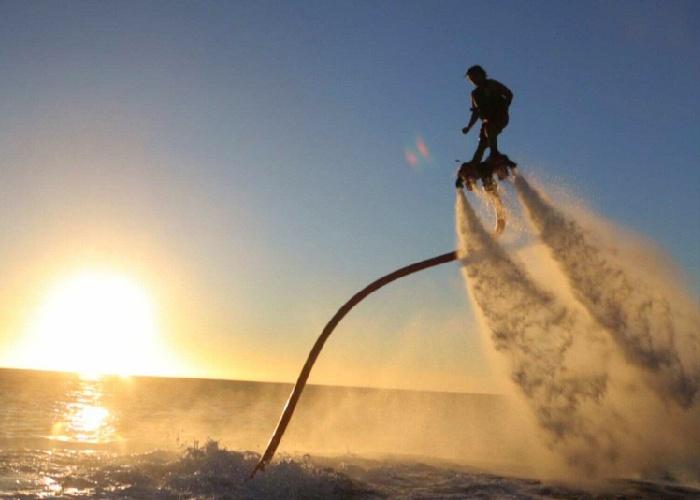 Fly Boarding St-Kilda Beach