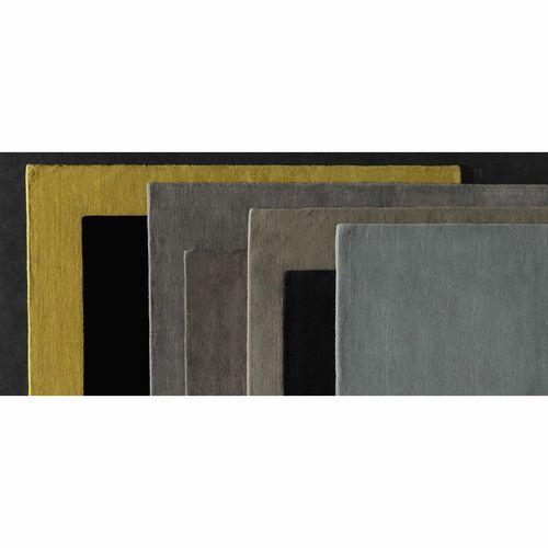 Tappeto giallo senape in lana a pelo corto 140 x 200 cm SOFT
