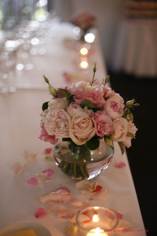 RG79 Soft and feminine posy vase arrangeemnt made in a rose, David Austin and lisianthus blend in pink tones
