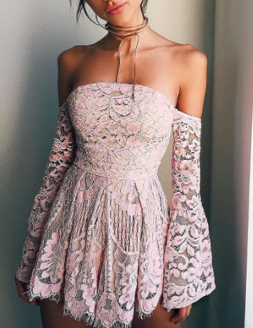 Pin: Heatonminded | 17 Festival Outfits | Off shoulder lace dress | Summer Outfits