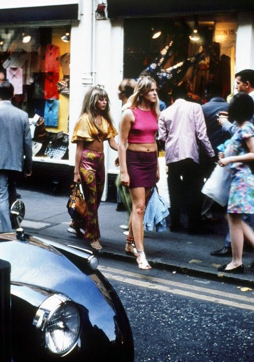 Carnaby Girls - A few photos of Carnaby Street in 1968, via the Retronaut.