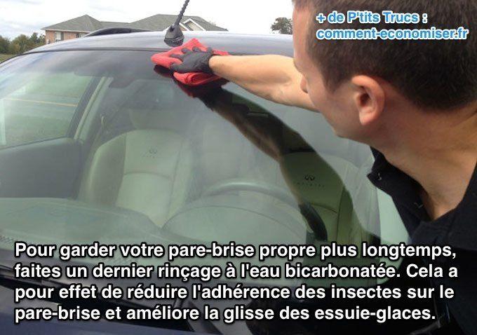 Utilisez de l'eau bicarbonatée pour garder le pare-brise de voiture propre plus longtemps